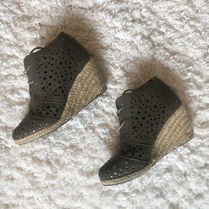 Shoes - Espadrille Cutout Wedges